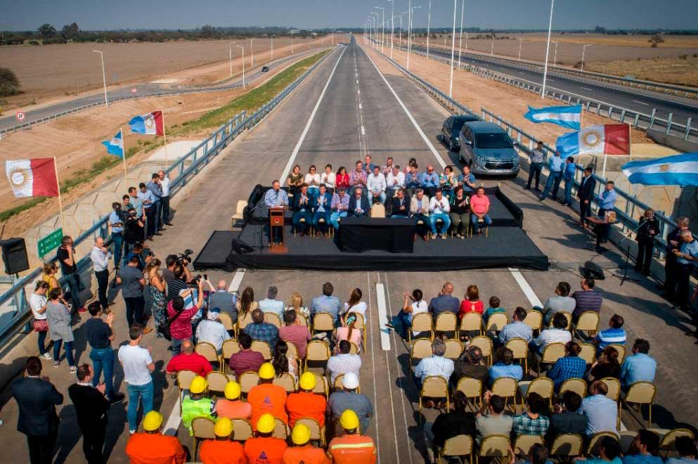 3-El-gobernador-Juan-Schiaretti-habilitò-la-traza-de-autopista-19-desde-Estación-de-Peaje-hasta-Río-Primero